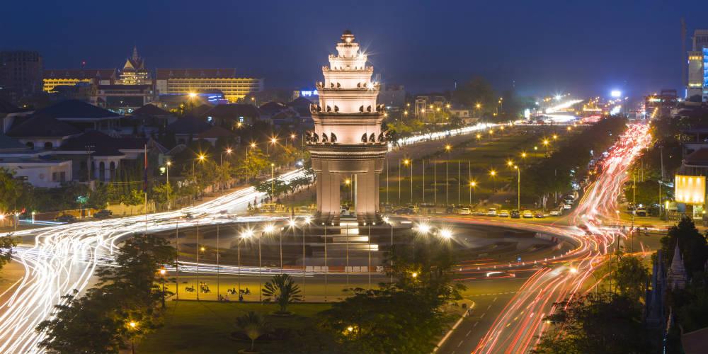 Independence Monument 2 Phnom Penh Cambodia