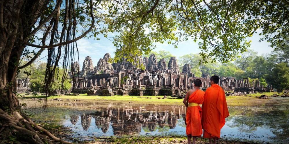 Siem-reap-cambodia-monks